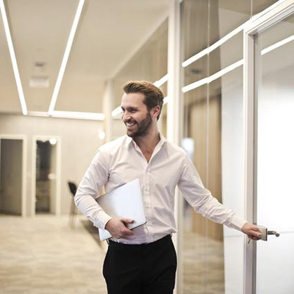 Unsere Wege zur Mieter-Käufersuche sowie die Transaktionsberatung führen zu langfristigem und nachhaltigem Erfolg.